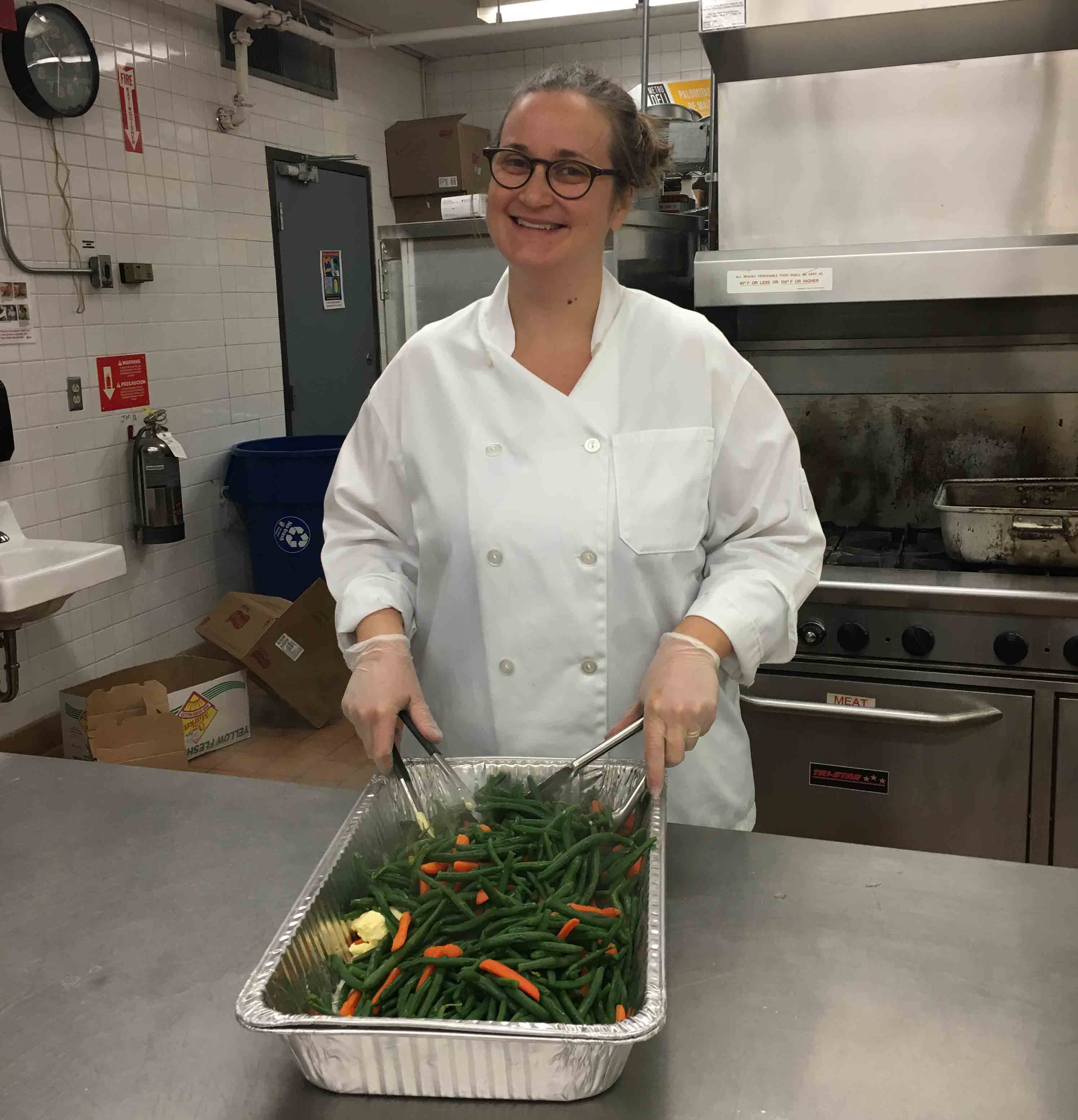 Chef Liz preparing green beans